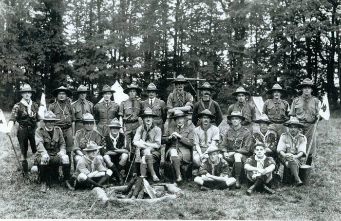 Ensimmäinen Gilwell- kurssi syyskuussa 1919 Gilwell Park'ssa