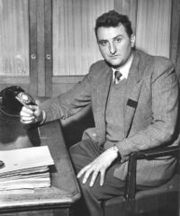 André Galerne à son bureau en 1956