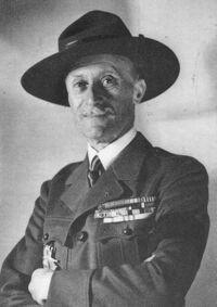 Le général Lafont en tenue scoute