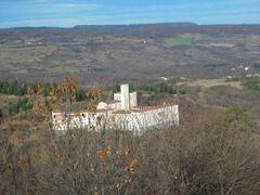 Vue de l'abbaye à partir de l'oppidum Gaulois