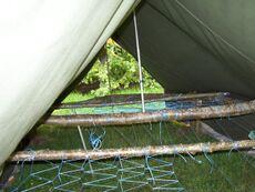 Un modèle simple de tente surélevée