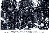 Marie-Amélie Cambell est la deuxième cheftaine en partant de la droite, posant ici en 1932 avec ses anciens louveteaux (issu du mémoire de maîtrise d'histoire de Marine Loiseau, université d'Angers)