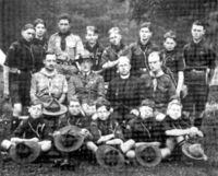 Au centre, Baden Powell entouré d'E. Van Hoof et de F. Attout.