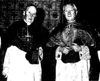 Mgr Courbe (à gauche) et Mgr Chappoulie vers 1953