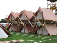 Plateforme pour 2 etages de tentes.jpg